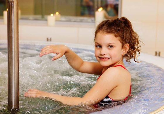 Gyermekbarát szolgáltatások - Outlet Hotel