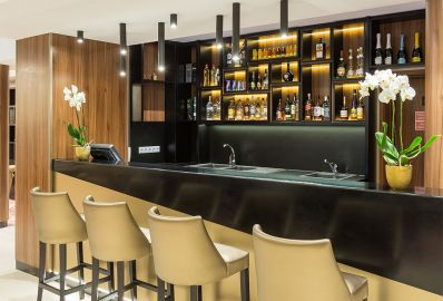Lobby bar - Outlet Hotel