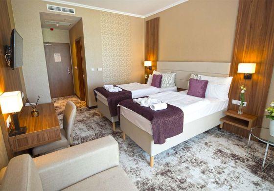 Szobák - Outlet Hotel