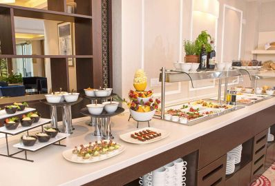 Our best offer with breakfast or half board - Outlet Hotel
